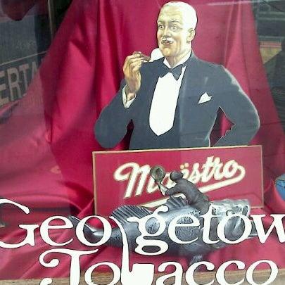 Photo prise au Georgetown Tobacco par Joe M. le3/8/2012