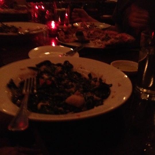 Foto diambil di Monte's Restaurant oleh Peter B. pada 7/14/2012