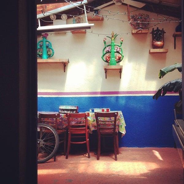 Foto tomada en La Palapa por Louis C. el 7/23/2012