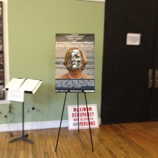 Снимок сделан в The Lynn Redgrave Theater at Culture Project пользователем Marci Elyn S. 5/5/2012