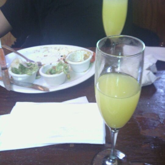 Das Foto wurde bei Mo's Restaurant von Mary Lynn D. am 3/26/2012 aufgenommen