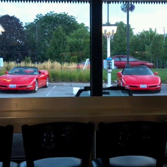 Снимок сделан в Superdawg Drive-In пользователем Richard S. 8/14/2012