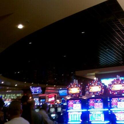 รูปภาพถ่ายที่ Valley View Casino & Hotel โดย Shawn S. เมื่อ 5/20/2012