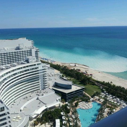Photo prise au Fontainebleau Miami Beach par Michelle C. le9/9/2012