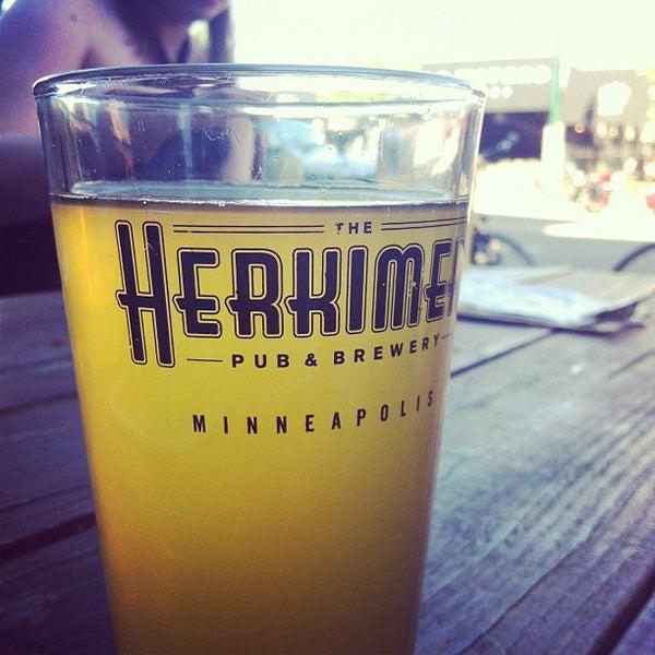 5/12/2012에 Jessica H.님이 The Herkimer Pub & Brewery에서 찍은 사진