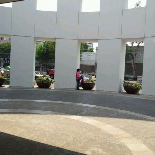 Снимок сделан в Plaza Universidad пользователем Jesús M. 4/30/2012