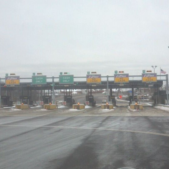 Interstate 476 at Exit 31 - Toll Plaza in Lansdale