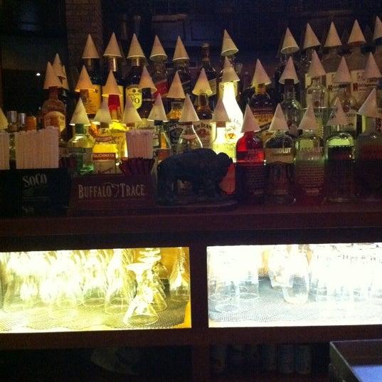 Foto tirada no(a) Bourbon Street Bar & Grille por Sean C. em 12/27/2010