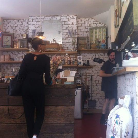 6/28/2012 tarihinde Elaine Y.ziyaretçi tarafından M1LK'de çekilen fotoğraf