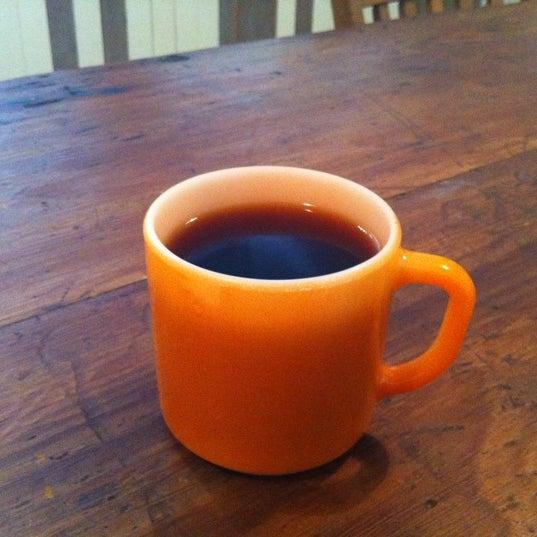 6/12/2012 tarihinde Alec K.ziyaretçi tarafından Analog Coffee'de çekilen fotoğraf