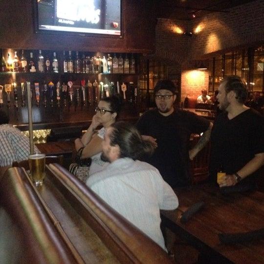 Foto scattata a SmithHouse - BBQ, Burgers, Brews da Zachary S. il 8/26/2012