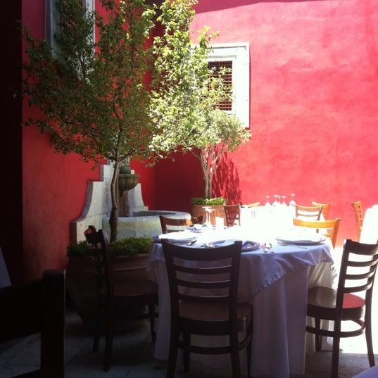 Photo prise au Catedral Restaurante & Bar par Carlos S. le4/5/2012