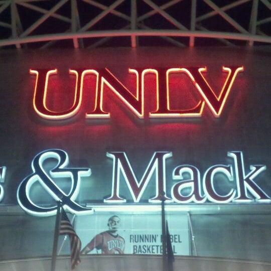 Das Foto wurde bei Thomas & Mack Center von Sean W. am 1/20/2011 aufgenommen