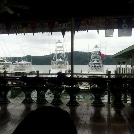 Foto diambil di Banana Bay Marina (Bahía Banano, S.A.) oleh Juan A. pada 5/12/2012