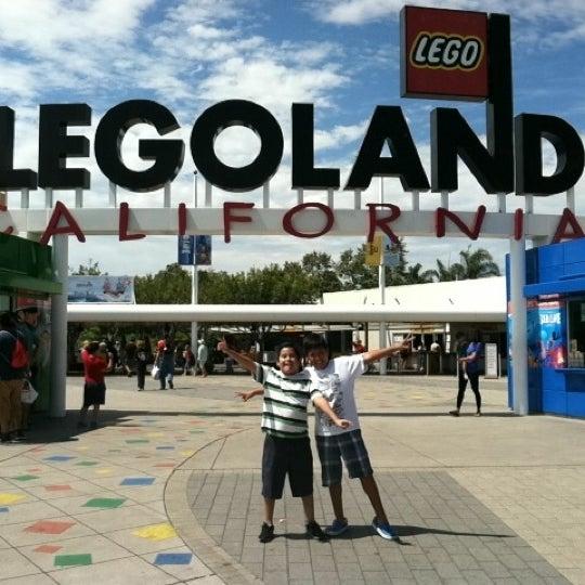 Foto tirada no(a) Legoland California por Alethia P. em 8/1/2012