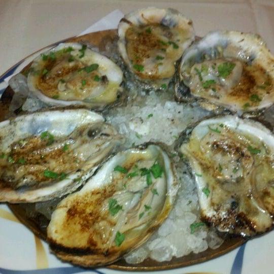 Das Foto wurde bei Beacon Restaurant & Bar von Adrienne R. am 1/17/2012 aufgenommen