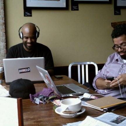 Foto tomada en Indian Road Café por Brazen L. el 10/24/2011