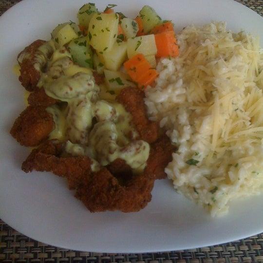Foto tomada en Eskina Bar e Restaurante por Anderson K. el 8/1/2012