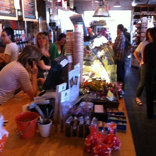 1/27/2011에 Johnny W.님이 La Grande Orange Grocery & Pizzeria에서 찍은 사진