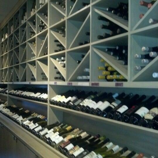 Foto scattata a Los Olivos Wine Merchant Cafe da Bernadette C. il 6/9/2012