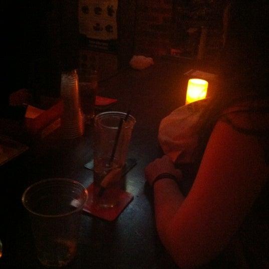Снимок сделан в Barramundi Bar пользователем ErrolJay 8/17/2012