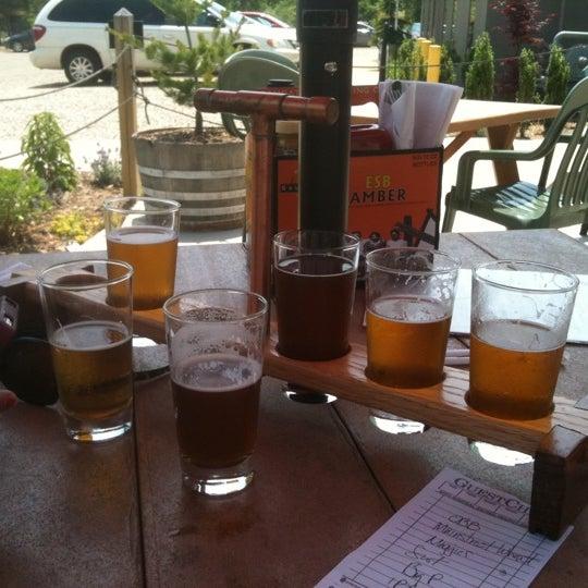 Снимок сделан в Saugatuck Brewing Company пользователем Matthew K. 6/18/2011