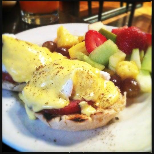 รูปภาพถ่ายที่ Cupping Room Cafe โดย Bill K. เมื่อ 5/12/2012