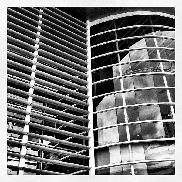 Foto diambil di Shopping Crystal oleh Daniel B. pada 2/25/2012