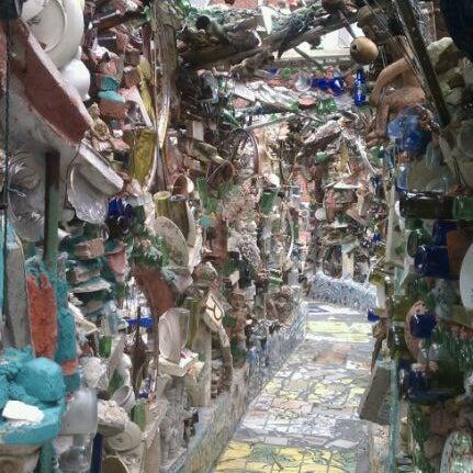 Foto scattata a Philadelphia's Magic Gardens da Visit Philly il 9/11/2011