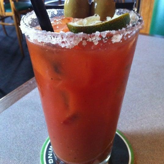 รูปภาพถ่ายที่ Hop Valley Brewing Co. โดย G. Todd เมื่อ 5/17/2012