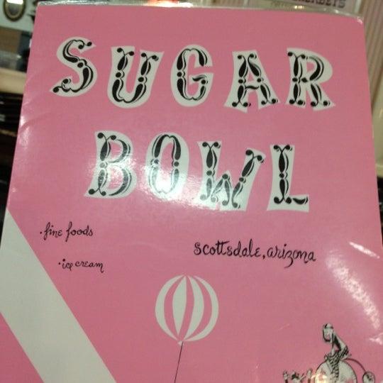 Снимок сделан в Sugar Bowl Ice Cream Parlor Restaurant пользователем Angi K. 6/11/2012