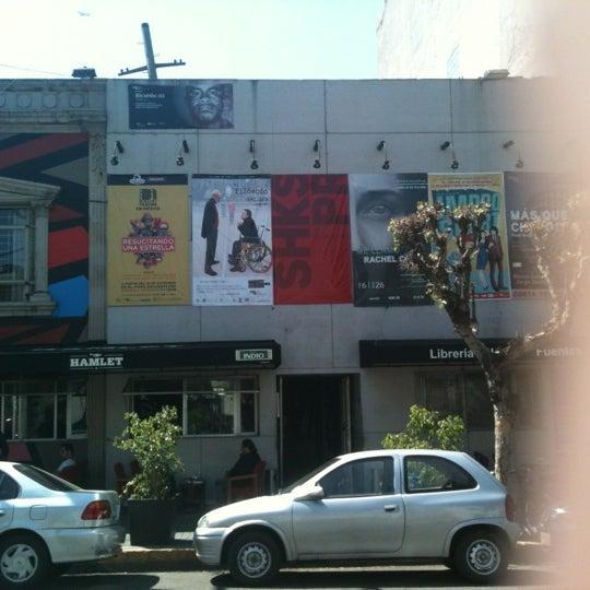 รูปภาพถ่ายที่ Foro Shakespeare โดย Angel T. เมื่อ 3/21/2012