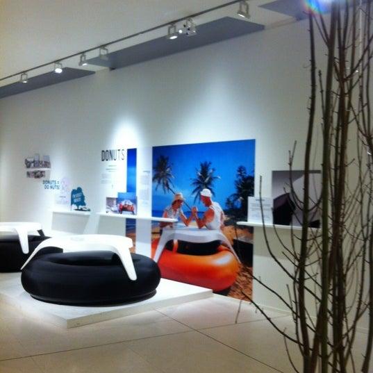 รูปภาพถ่ายที่ Design Museum Gent โดย Stijn N. เมื่อ 3/30/2012