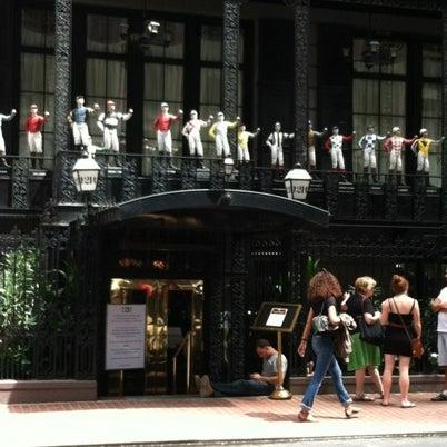 8/7/2012 tarihinde Mario M.ziyaretçi tarafından 21 Club'de çekilen fotoğraf