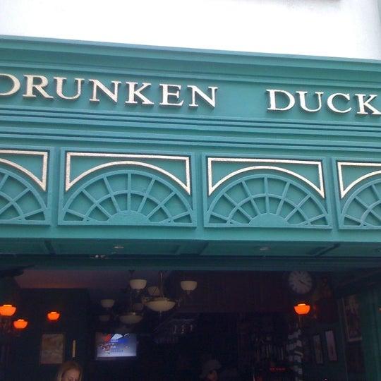4/11/2012 tarihinde Volkan E.ziyaretçi tarafından Drunken Duck'de çekilen fotoğraf