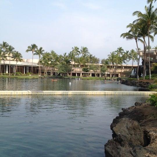 Foto tomada en Hilton Waikoloa Village por Dani G. el 4/5/2012