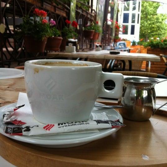 รูปภาพถ่ายที่ Café Bon Apрétit โดย Татьяна С. เมื่อ 6/27/2012
