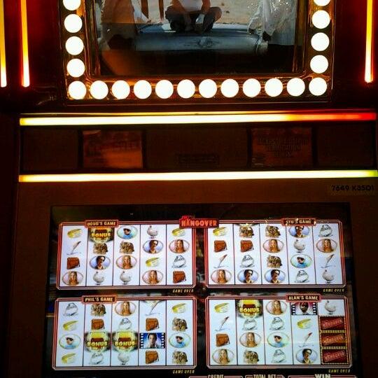 รูปภาพถ่ายที่ Horseshoe Hammond Casino โดย joseph J. เมื่อ 5/13/2012