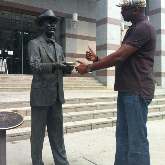 รูปภาพถ่ายที่ North Carolina Museum of History โดย Ahmad เมื่อ 7/3/2012