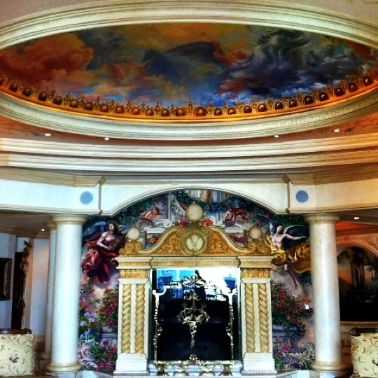 Снимок сделан в LVH - Las Vegas Hotel & Casino пользователем @24K 7/28/2012