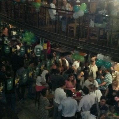 3/18/2012 tarihinde Marcus D.ziyaretçi tarafından Kia Ora Pub'de çekilen fotoğraf