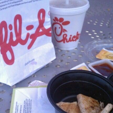 Foto diambil di Chick-fil-A oleh Bethany H. pada 6/14/2012
