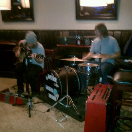 รูปภาพถ่ายที่ Cameron Bar & Grill โดย Will S. เมื่อ 1/29/2012
