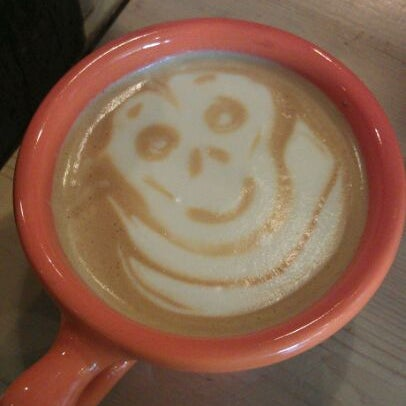 Foto tomada en Ipsento Coffee House por Molly M. el 3/8/2012