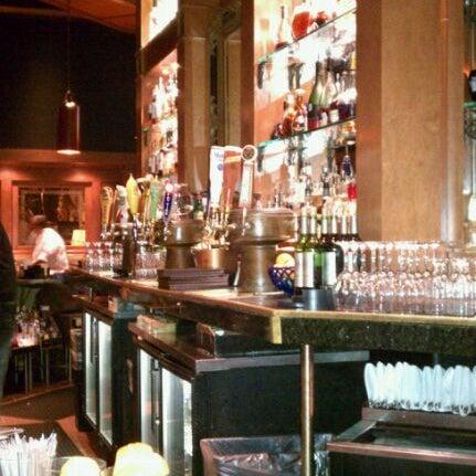 4/1/2011にChris W.がCool River Cafeで撮った写真