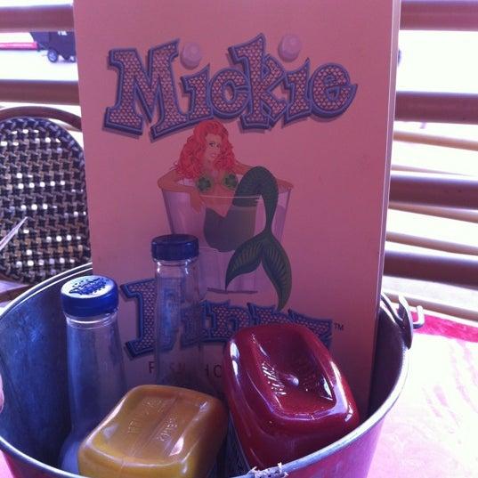 Foto diambil di Mickie Finnz Fish House & Bar oleh Stephanie L. pada 2/25/2012