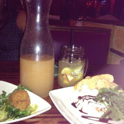 Foto diambil di Café Tu Tu Tango oleh Melody M. pada 7/21/2012