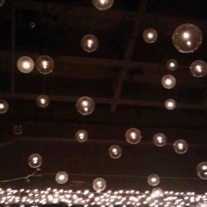12/10/2011에 Ren G.님이 Salvage Bar & Lounge에서 찍은 사진