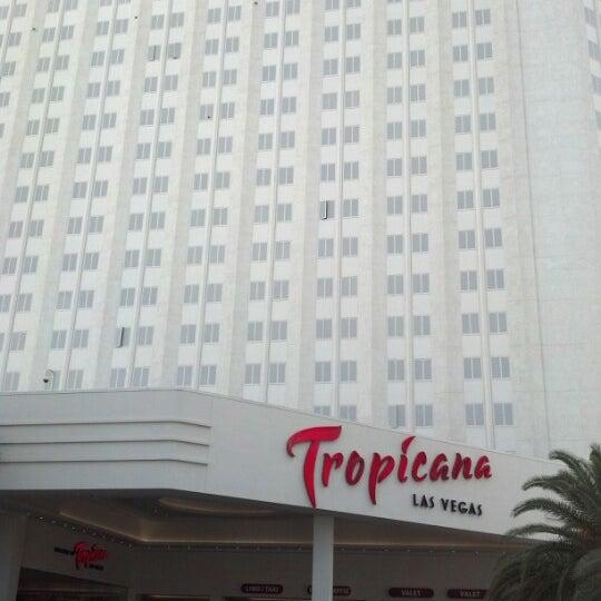 Снимок сделан в Tropicana Las Vegas пользователем Javier M. 8/31/2012