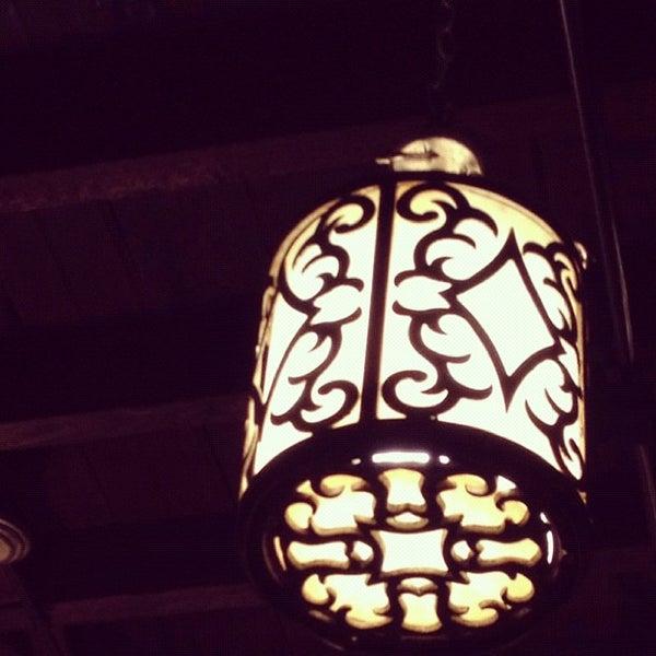 Das Foto wurde bei Taci's Beyti Restaurant von Georg am 2/5/2012 aufgenommen